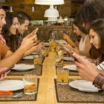 Dependencia del móvil: cuántas veces lo usamos al día